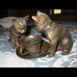 VTG metal cats with teacup candle holder